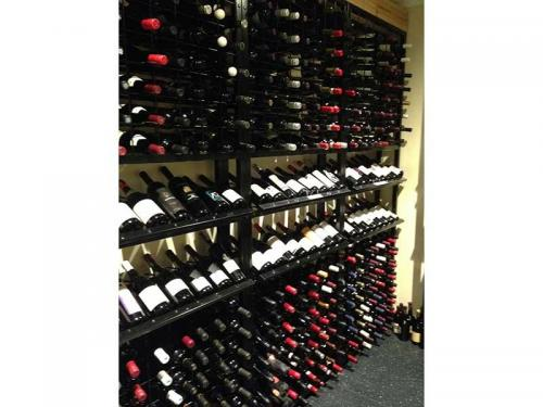 Display Wine Racks in the Queens Club